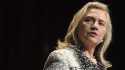 El objetivo del viaje de la secretaria de Estado Hillary Clinton es fort...