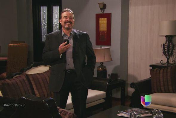Dionisio se ríe de la petición de Camila, quiere que supli...