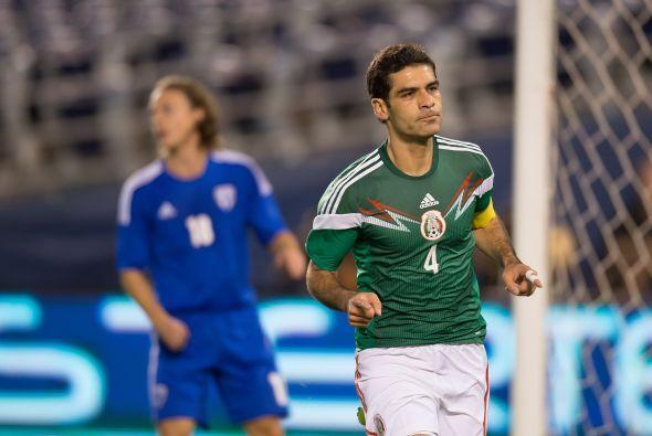 Bajo el mando del técnico Miguel Herrera, México primero disputó un part...
