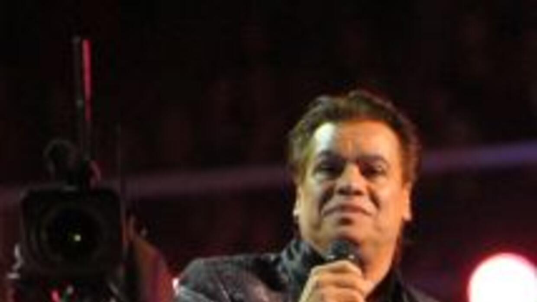 Juan Gabriel regresa a los escenarios con su gira 'Volver 2014'.