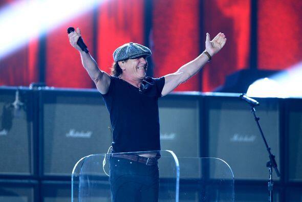 El show de los GRAMMY abrió con la presentación de los legendarios AC/DC.