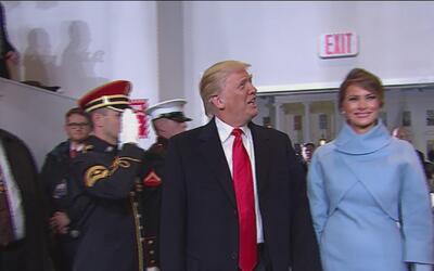 Así fue la entrada de Donald Trump, por primera vez, al palco presidencial