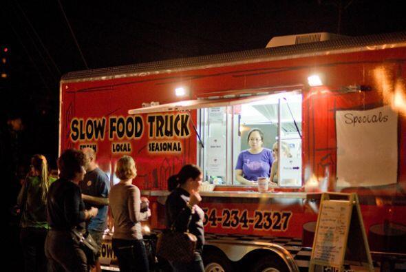Todos los camiones informan a su clientela de dónde están en cada moment...