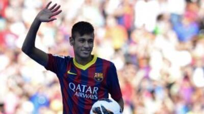El médico del Barcelona opinó sobre Neymar que ''64,5 kilos son pocos''...
