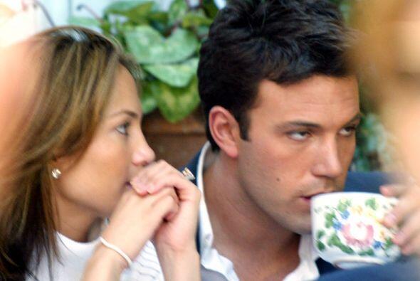 JLo y Ben Affleck iniciaron su romance en 2002, uno de los más so...