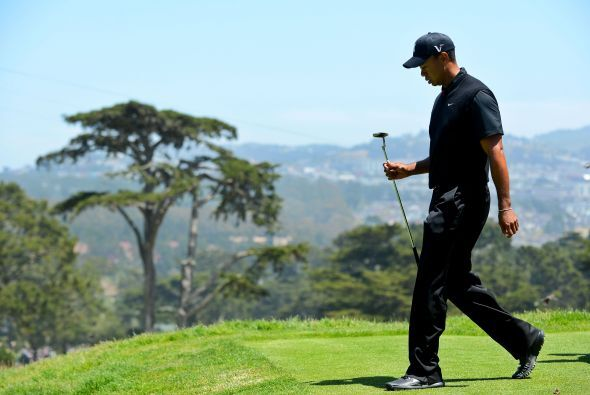 Por fin, Woods dejó la cima que ocupaba desde el 2001, y ahora con un to...