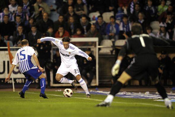 Ozil fue de los más activos, pero su 'magia' no sirvió par...