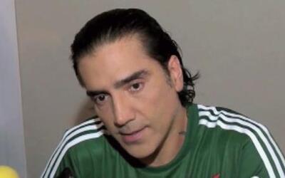Alejandro Fernández anda con la camiseta bien puesta