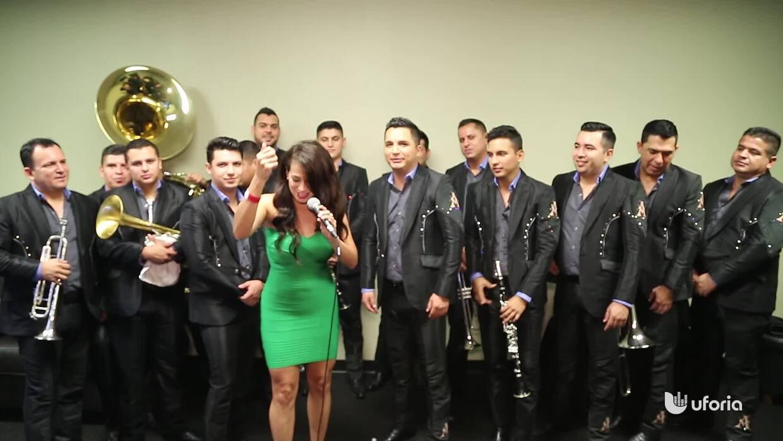 Carla Medrano puso a bailar a La Arrolladora