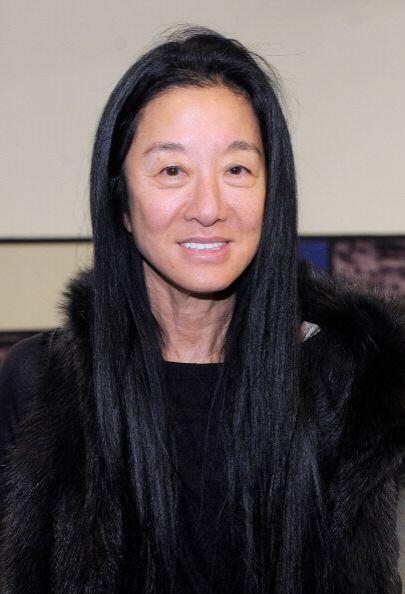 Quien necesita una 'manita de gato'  es la diseñadora de modas Vera Wang...