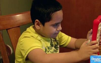 Brazaletes con rastreadores para niños autistas