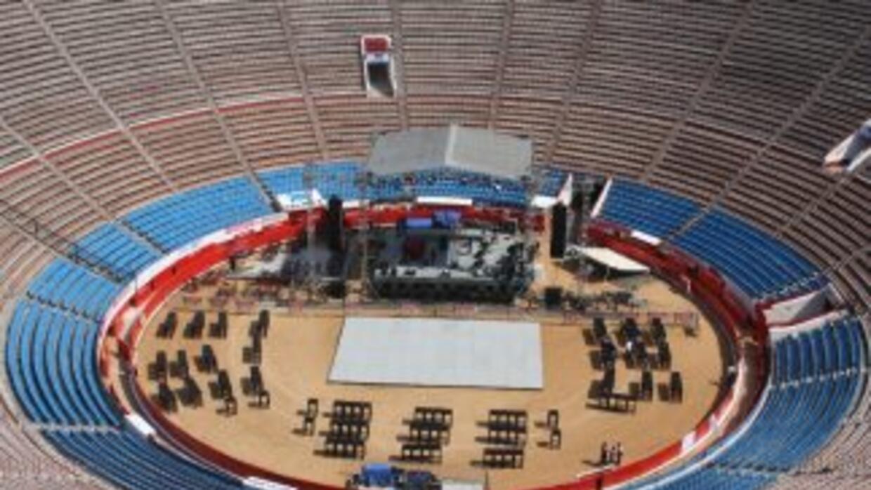 La Plaza de Toros México será la sede del combate entre Álvarez y Cintró...
