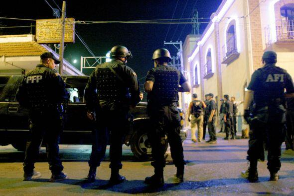 Calderón ha desplegado más de 45 mil soldados en 18 estados del país en...
