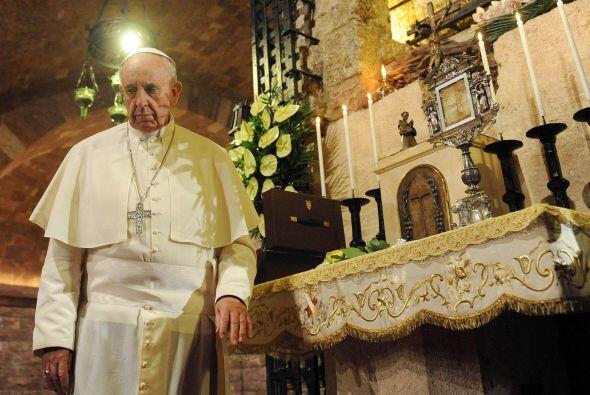 El 4 de octubre el Papa visitó la Basílica de San Francisco de Asís en I...