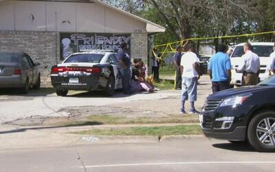 Autoridades hallan un cadáver dentro de una residencia en Dallas