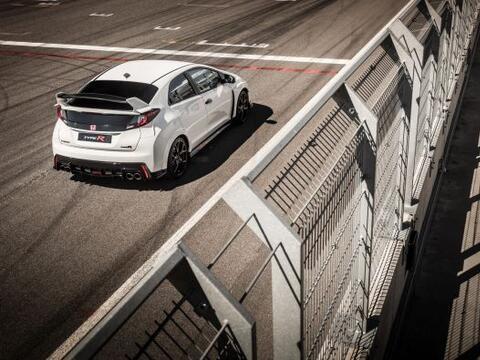 Después de un largo tiempo de espera, Honda presenta uno de los d...