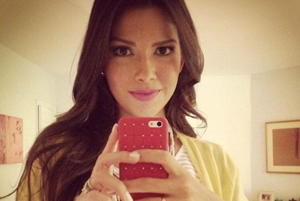 """""""Seguimos trabajando #Comercial #Happy  #Bendecida"""", contó Ana. (Julio 1..."""