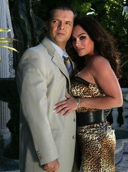El Dr. Corcuera tenía amores con Claudia.