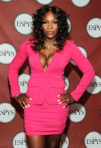 Sin duda, Serena es una mujer muy bella y sensual y cada lugar al que va...