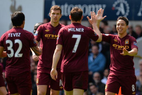 Aunque el líder Manchester United les saca una ventaja considerable, los...