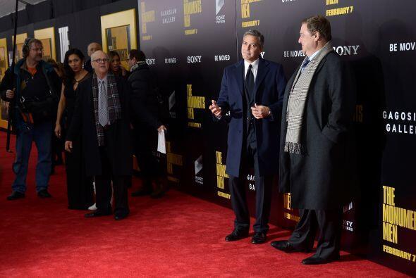 George es el protagonista y director de 'The Monuments Men'. Más videos...
