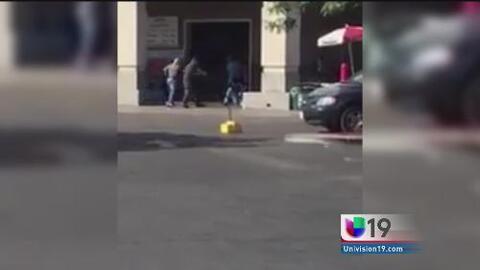 Hombre armado con un cuchillo causó pánico en un Costco