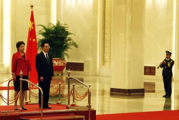 Se estima que China es el mayor inversionista en Brasil con alrededor de...