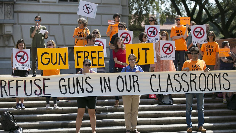 La medida genera un fuerte rechazo en la comunidad universitaria