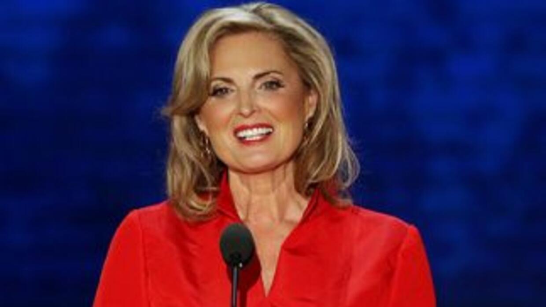 Ann Romney, esposa del candidato presidencial republicano Mitt Romney, s...