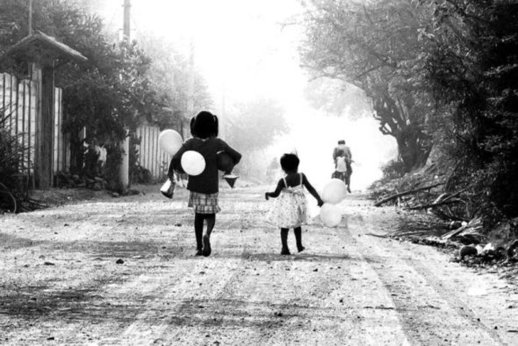 """La Fiesta"", de la fotógrafa salvadoreña Laura Estrada, que ganó el prim..."