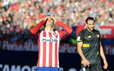 Sevilla dejó al Atlético sin liderato