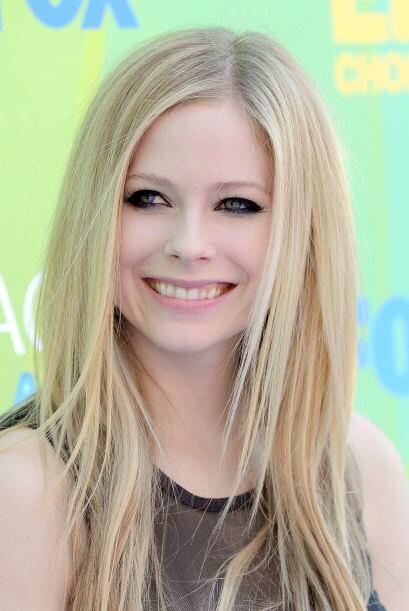 Con el paso del tiempo Avril Lavigne mejoró su sonrisa y se deshi...