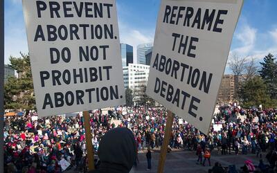 Manifestantes en Colorado durante la Marcha de las Mujeres del 21 de ene...