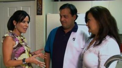 Iván y Patricia Arias con Claudia Caporal.