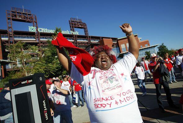 Tarde maravillosa en Filadelfia para recibir el segundo de la Serie Divi...
