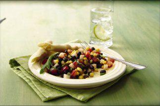 Ensalada de frijoles negros y chile: ¿Quieres hacer un almuerzo rápido y...