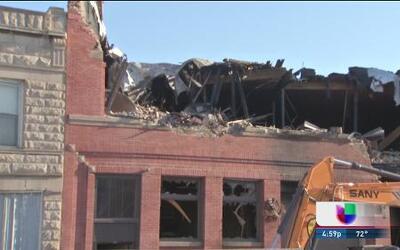 Masivo fuego destruyó edificio en La Villita