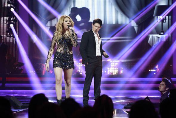 Después tuvo un dueto con Paloma con un clásico de Pimpinela.