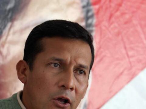 El político izquierdista Ollanta Humala registró oficialme...