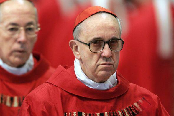 El nuevo papa fue elegido en la quinta votación del cóncla...