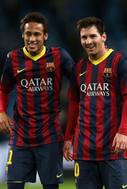Neymar y Messi se retiraron muy alegres, se divirtieron con paredes de f...