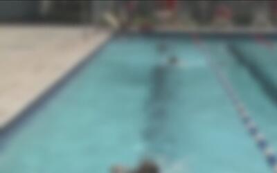 Estudio indica que algunas piscinas públicas en Arizona esconden un suci...