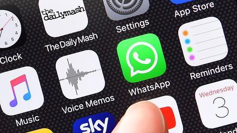 La popular aplicación de mensajería instantánea Wha...