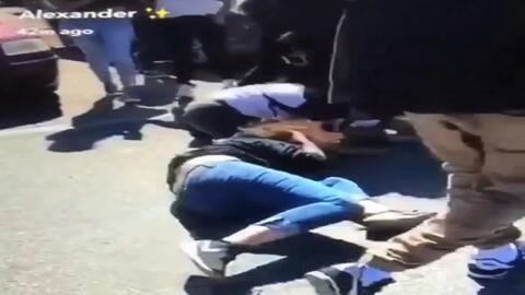 Con este video, una madre denuncia la brutal paliza que recibió su hija...