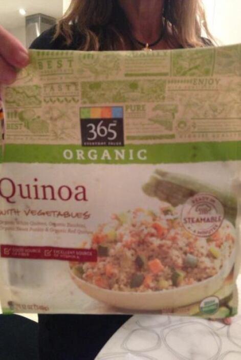 La quinoa venía echa de Whole Foods. Sólo calentarla. @CubaPalm