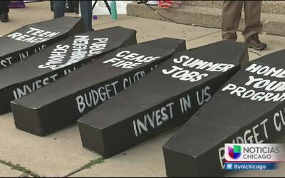 Protestan para pedir un alto a la violencia en las calles de Chicago