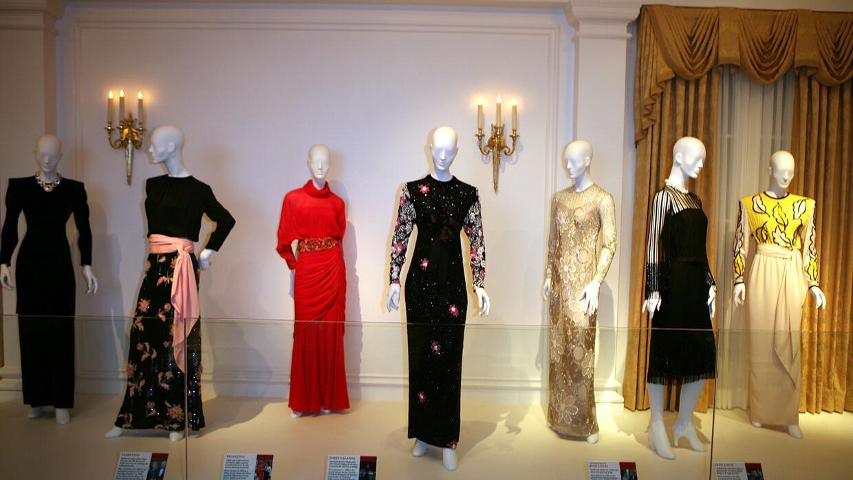 Algunos de los vestidos más celebrados y exhibidos de Nancy Reagan.