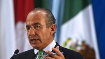 El presidente Felipe Calderón pide que el nuevo mandatario mexicano siga...