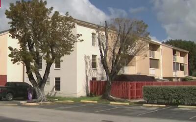 Residentes que han estado en pie de lucha por la ley de los condominios...