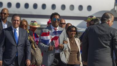 'Pedro el Grande', fue recibido hoy a su llegada por una multitud desde...